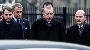 El partido de Erdogan pierde las tres ciudades más importantes