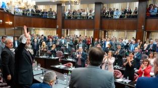"""Rodriguez Saá: """"La provincia se encuentra a resguardo de las políticas nacionales"""""""