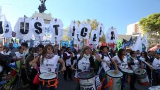 Masiva marcha en el aniversario del asesinato de Fuentealba
