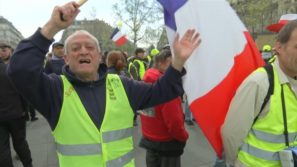 """FRANCIA: Los """"chalecos amarillos"""" marchan por vigésima cuarta semana consecutiva"""
