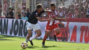 Unión, con la mira en la Sudamericana, igualó con Estudiantes