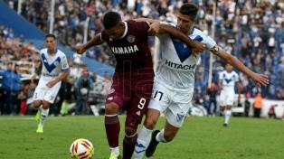 Vélez goleó a Lanús y clasificó a la segunda fase