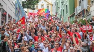 Una multitud se solidarizó con Lula en el sur de ese país