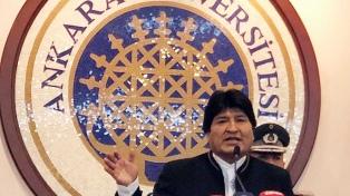 Evo Morales inició la primera visita de un presidente boliviano a Turquía