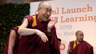 Internan al Dalai Lama con una infección pulmonar