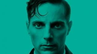 """Un """"Hamlet"""" exhaustivo aunque frío desembarcó en la calle Corrientes"""