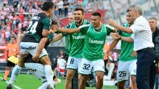 Banfield derrotó a Estudiantes en La Plata por el encuentro de ida