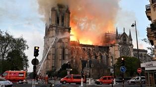 Descontaminan colegios en París afectados por el incendio de Notre Dame