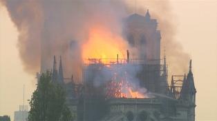 """Principales líderes mundiales expresaron su """"tristeza"""" y apoyo a Francia por el incendio de Notre Dame"""