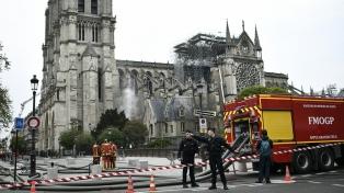 La estructura de Notre Dame se debilitó y puede ceder ante vientos de 90 kilómetros, afirmó un experto