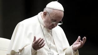 """Francisco """"reza por la población parisina"""" tras el incendio en Notre Dame"""