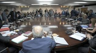 Formalizan la designación de Ustarroz como representante del PEN