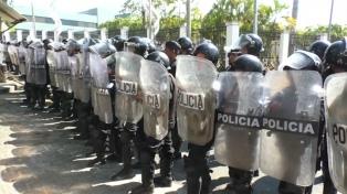 El Gobierno saca a 15.000 policías a las calles por el pago del aguinaldo