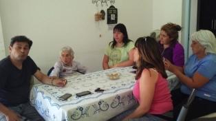 A los 97 años, busca los restos de su padre muerto en la Patagonia Trágica
