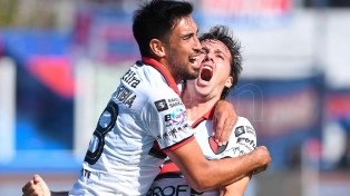 Colón de Santa Fe rescató un buen empate ante River de Montevideo