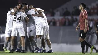 Independiente se quedó afuera al empatar con Argentinos