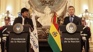 Macri y Morales avanzaron en la integración energética, la salud y la venta de aviones Pampa