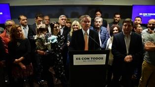 Solá lanzó un frente electoral y llamó a la oposición a unirse
