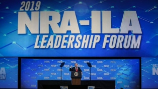 Trump anunció que retira a EE.UU. del acuerdo sobre comercio de armas de la ONU