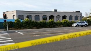 Un muerto y tres heridos en un ataque a balazos en una sinagoga de San Diego