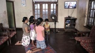 Por temor a nuevos atentados, celebran misas por televisión
