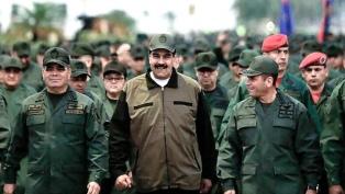 Maduro anunció ejercicios militares para defenderse de EE.UU y Colombia