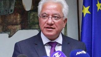 Ionas Nikolau presentó su renuncia tras la presión social.