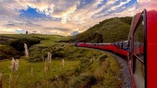 """Un viaje en tren por la """"Avenida de los Volcanes"""""""