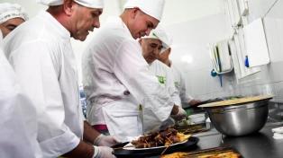 Internos de un penal se recibieron de panaderos y se preparan para recuperar su libertad