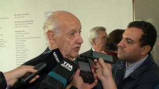 """Lavagna propuso aumentar la asignación por hijo """"con una renegociación de la deuda"""""""