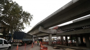 Reabrieron la calle Cabrera y en menos de un mes inauguran el viaducto San Martín