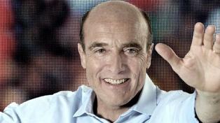 Martínez se afianza como favorito en la interna del Frente Amplio