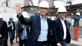 Macri recorre un nuevo taller de la línea Roca y recibe a directivos de FlyBondi