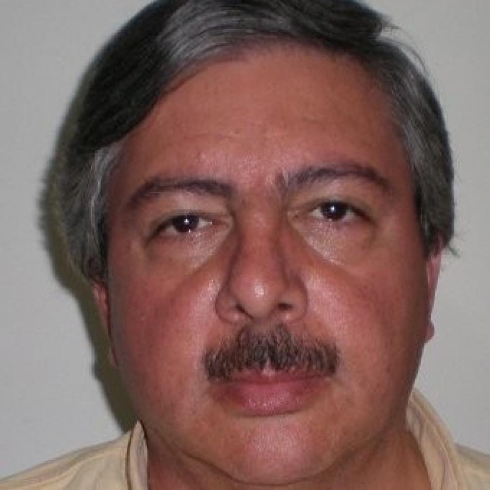 Miguel Yadón, el asesor del diputado Olivares