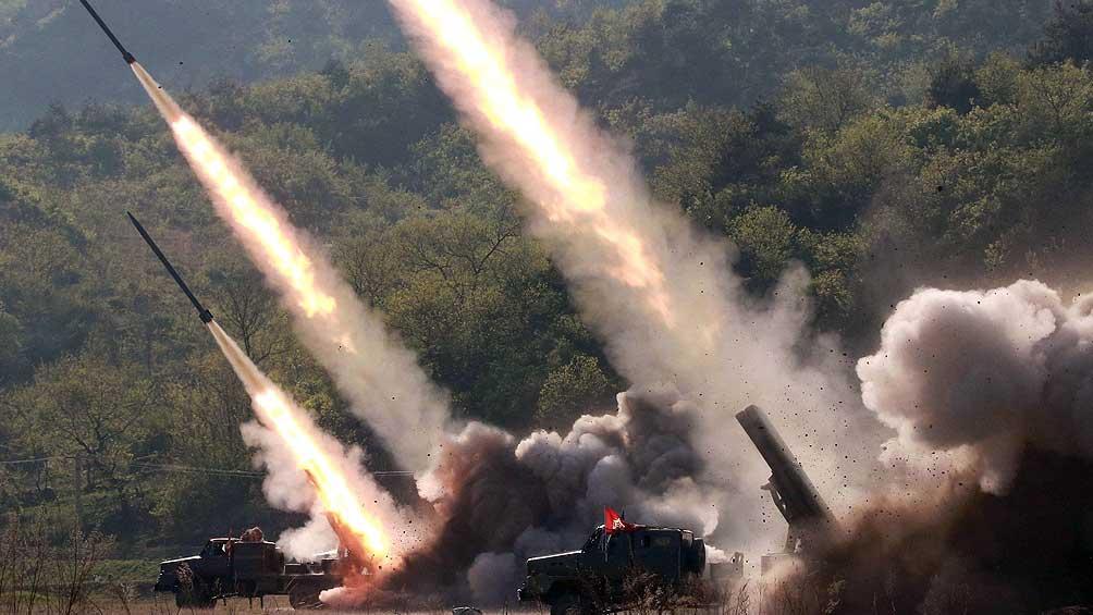 Corea del Norte lanza otros tres proyectiles hacia el mar de Japón