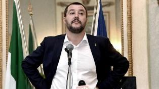 Salvini cierra los puertos a una ONG que rescató a 65 personas en el mar