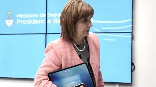 """Diputados opositores piden el juicio político a Bullrich por """"mal desempeño"""""""