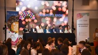 Más de 350 jóvenes participan del lanzamiento del Parlamento Juvenil