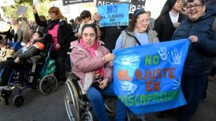Miles de personas denunciaron recortes en discapacidad