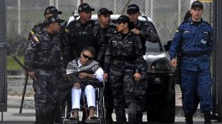 El ex guerrillero Santrich está internado en una clínica