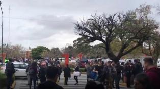 Recibieron una amenaza de bomba y evacuaron el shopping Unicenter de Martínez