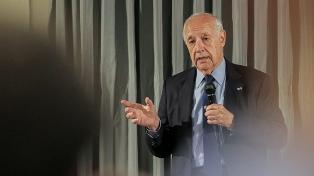 """Lavagna afirmó que """"la sociedad sigue estando muy tensa"""" por los comicios y por """"el futuro del país"""""""