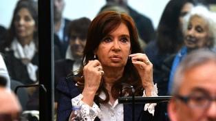 Bonadio envió a juicio oral a Cristina Kirchner y a De Vido por la causa de los cuadernos