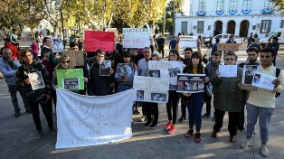 """Piden """"verdad y justicia"""" a un mes de la muerte de los cuatro jóvenes"""