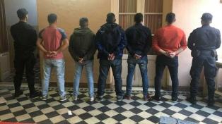 Indagan a los ocho policías detenidos por las muertes en San Miguel del Monte