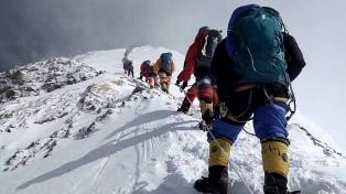Terminó la temporada de ascenso al Everest con 11 muertos