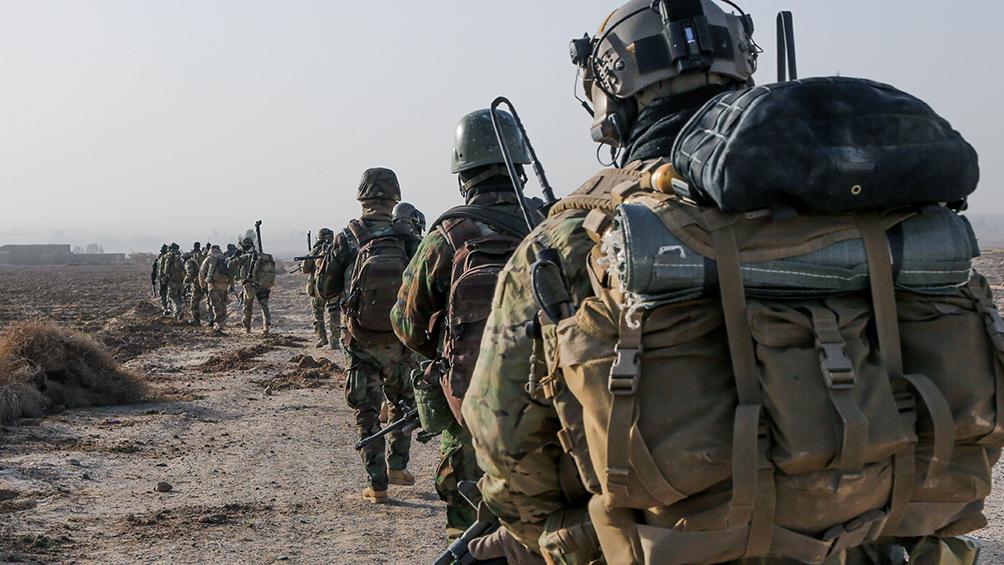 Murieron 13 militares franceses al chocar dos helicópteros en una operación