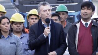 """Macri, en el Paseo del Bajo: """"Este pavimento no es relato"""""""
