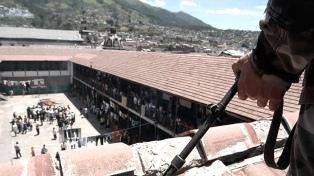 Trasladan a los presos, tras los enfrentamientos que dejaron 57 muertos