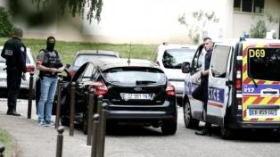 La policía detiene a dos sospechosos del ataque en Lyon